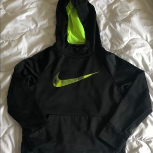 Nike Sri-fit boys hoody pullover. Size Small.